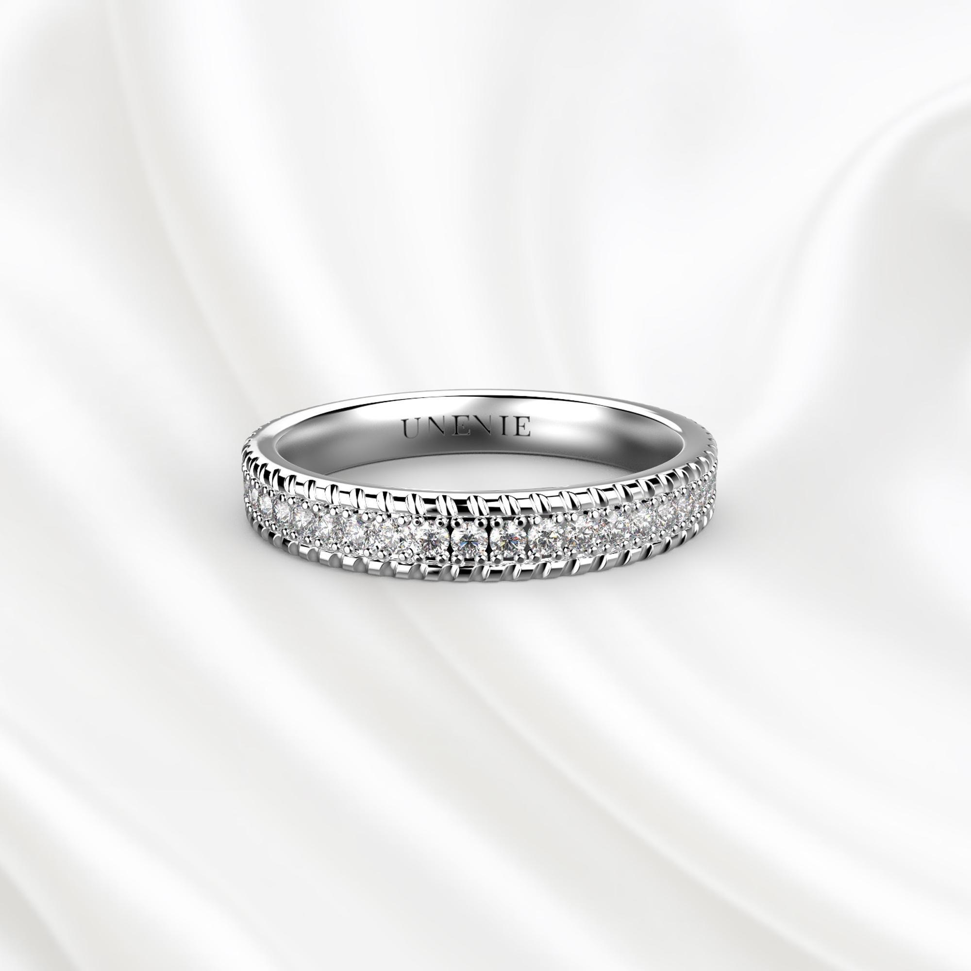 E14 Обручальное кольцо из белого золота с бриллиантами
