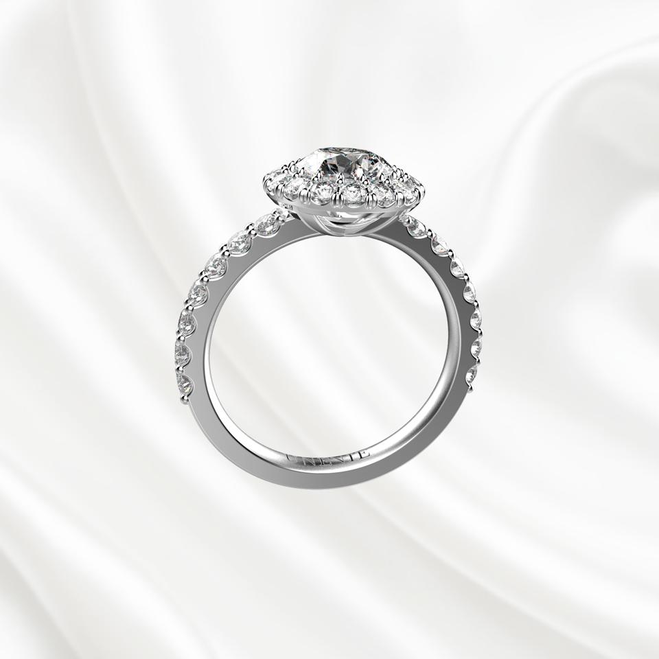 N4 Помолвочное кольцо из белого золота с бриллиантом 0.6 карат