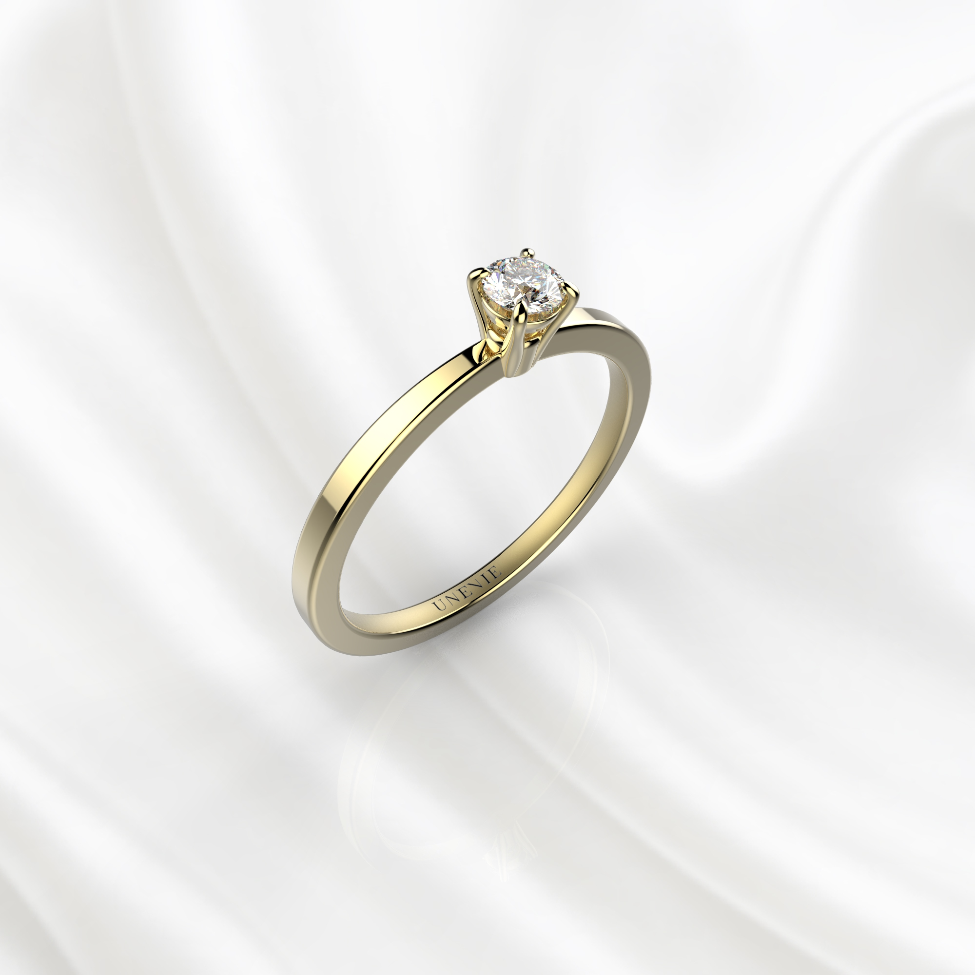 N22 Помолвочное кольцо из желтого золота с бриллиантом 0.1 карат
