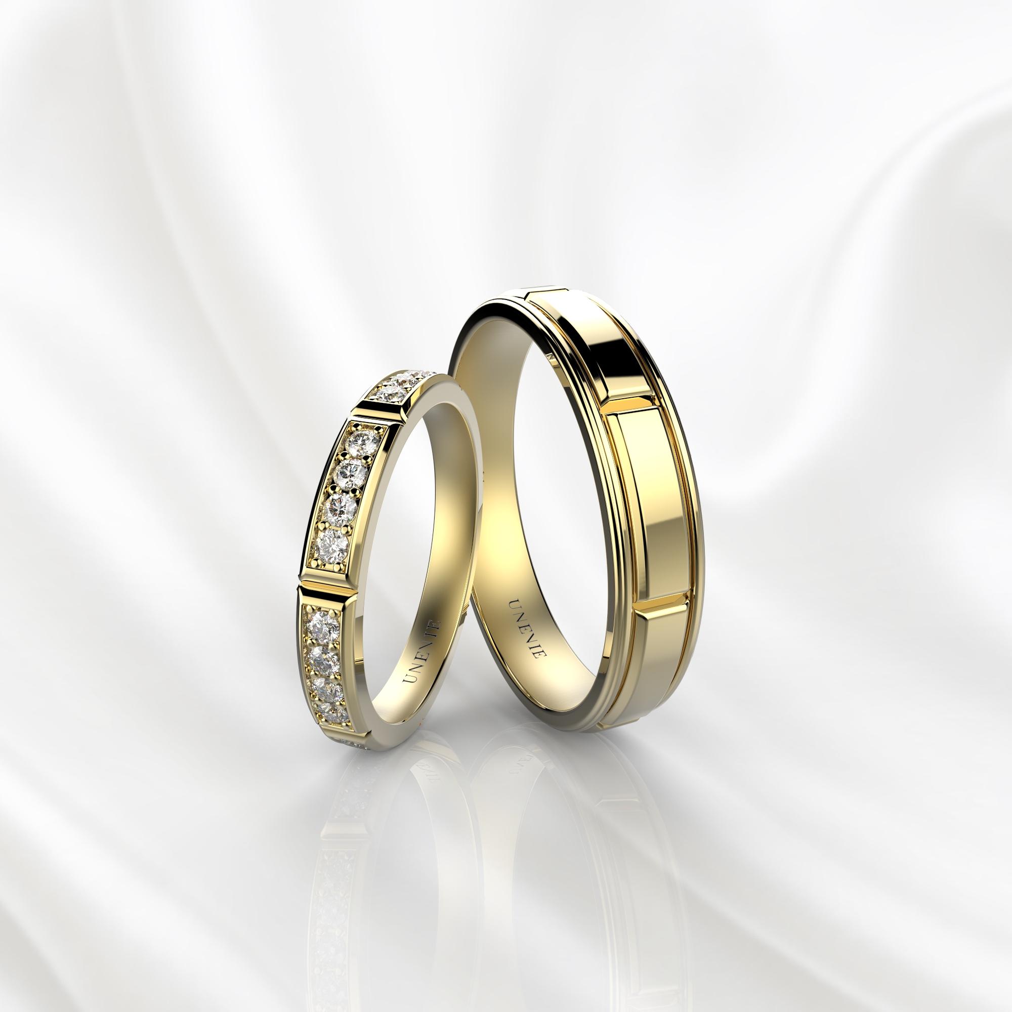 NV40 Обручальные кольца из желтого золота с бриллиантами до середины