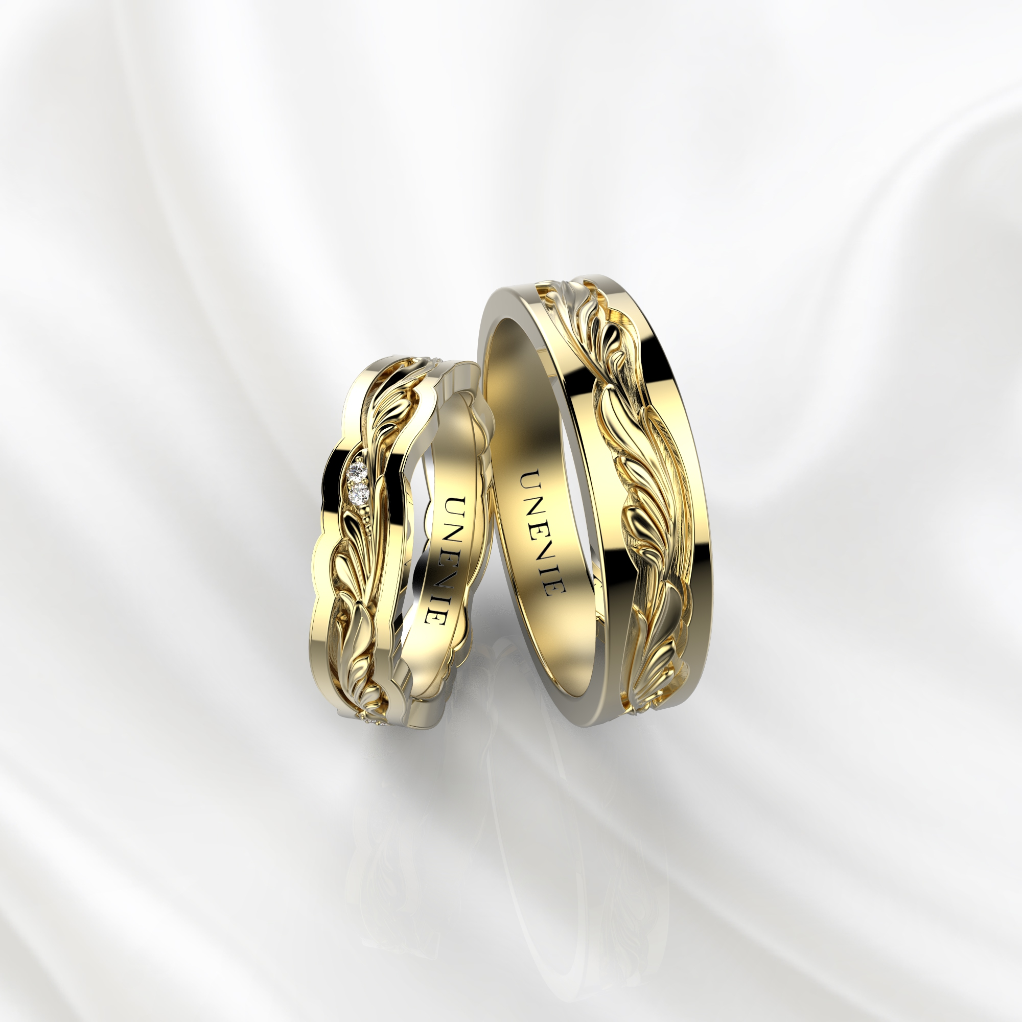 NV44 Парные обручальные кольца из желтого золота с бриллиантами