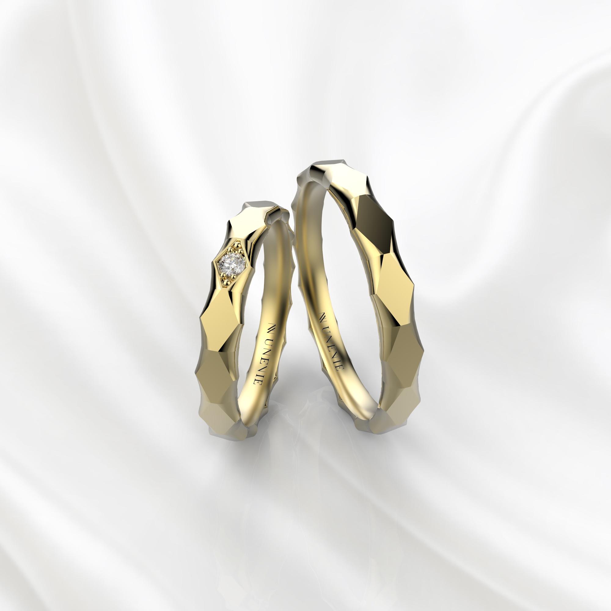 NV62 Парные обручальные кольца из желтого золота с бриллиантом