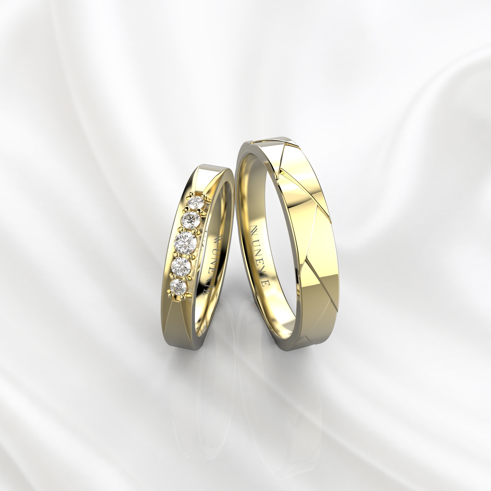 NV82 Парные обручальные кольца из желтого золота с бриллиантами
