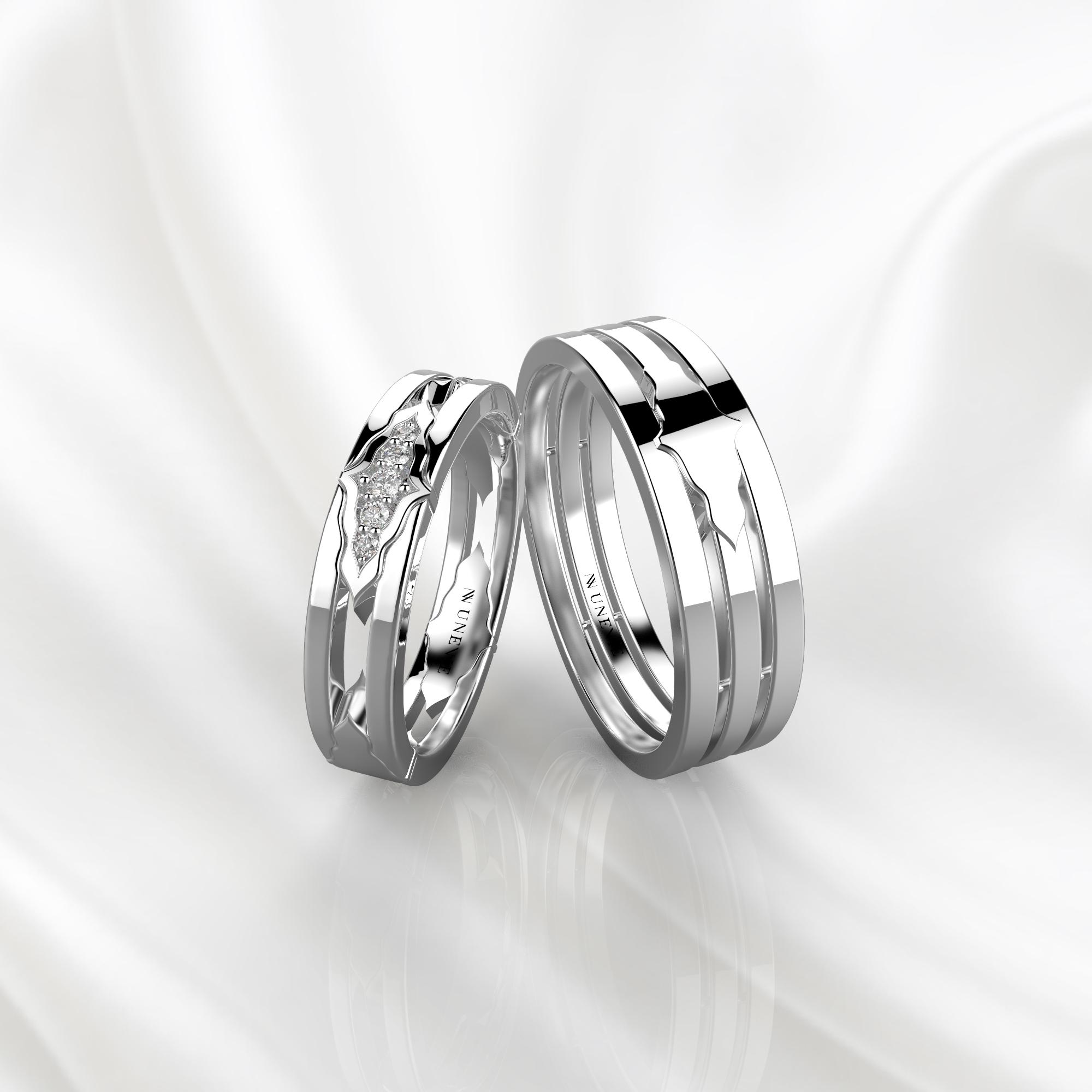 Парные обручальные кольца из белого золота с 5 бриллиантами