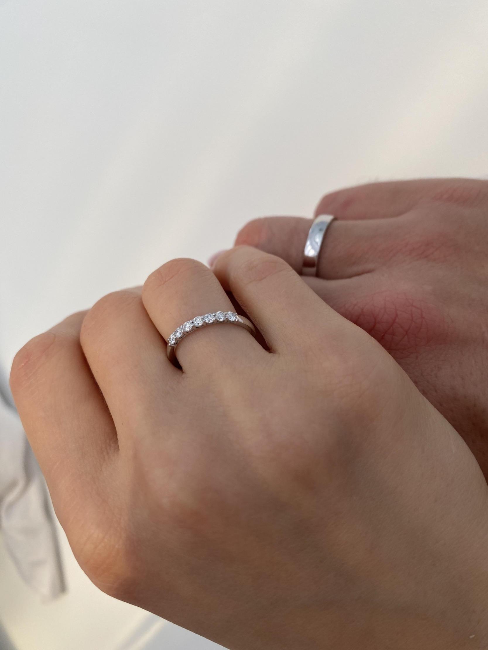 NV6 Парные обручальные кольца из белого золота с бриллиантами