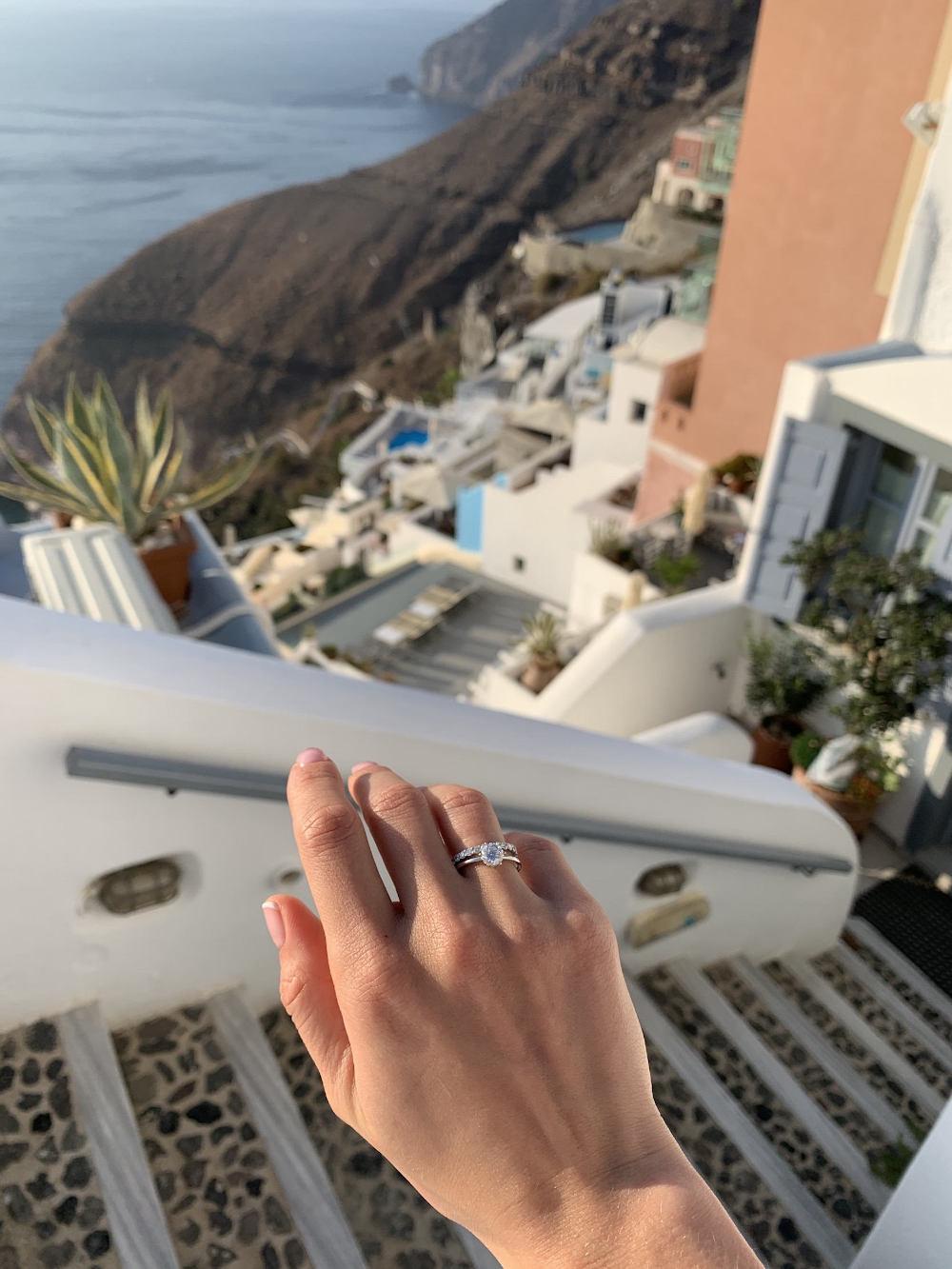 N9 - помолвочное кольцо из белого золото с бриллиантом 0.8 карат
