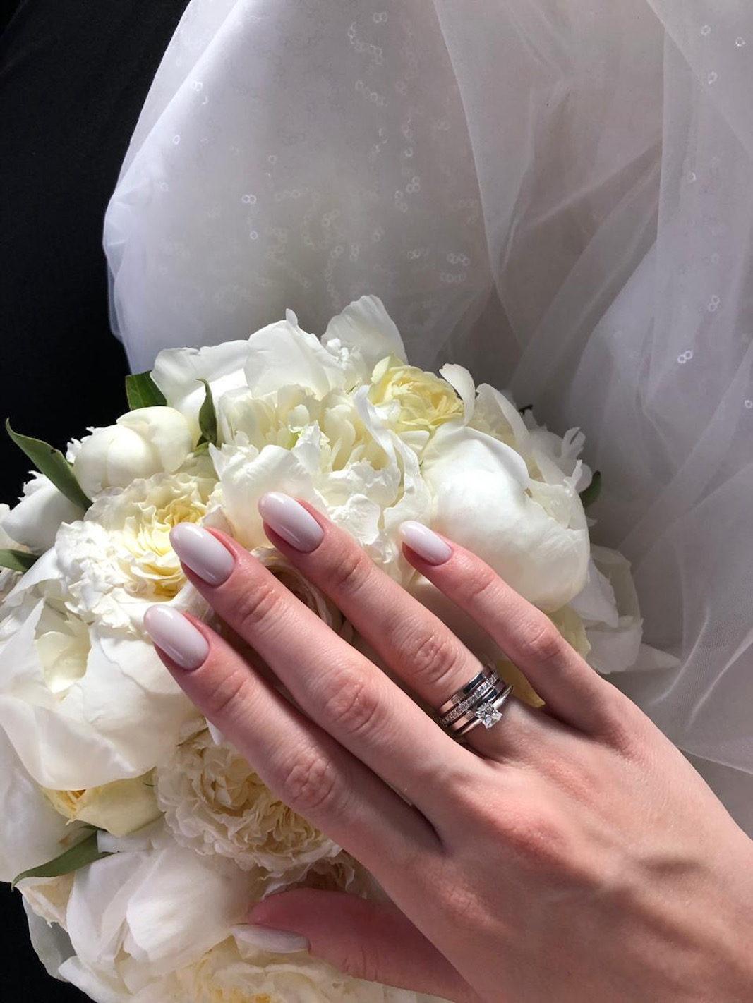 NV12 - Пgарные обручальные кольца из белого золота с бриллиантами