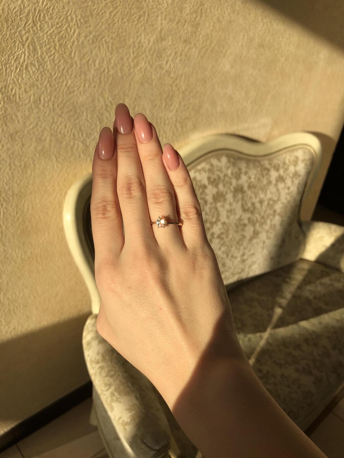 N9 - помолвочное кольцо из розового золото с бриллиантом 0.68 карат