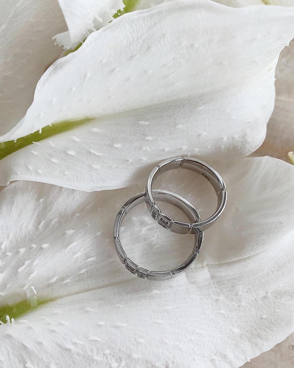 NV14 Обручальные кольца из золота с бриллиантами