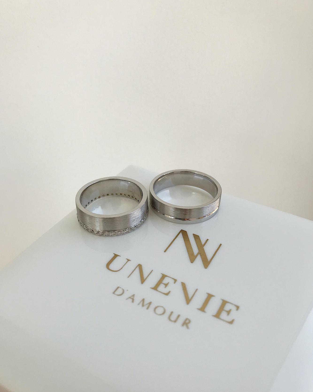 NV1 Парные обручальные кольца из белого золота с бриллиантами